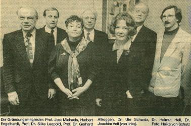 Die Gründungsmitglieder des Trägervereins im Pressefoto am 1. Dezember 1992